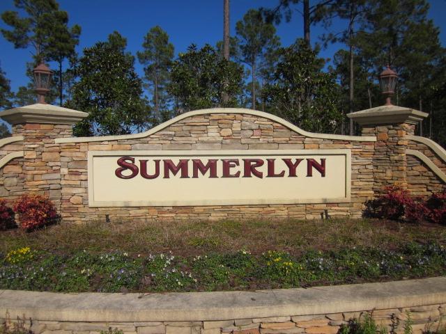 Summerlyn Entrance
