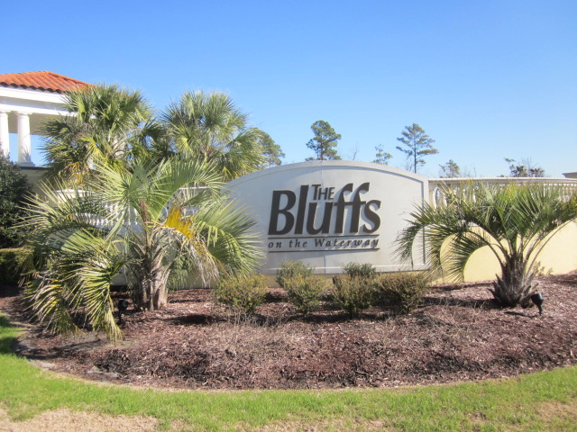 The Bluffs On The Waterway - Entrance