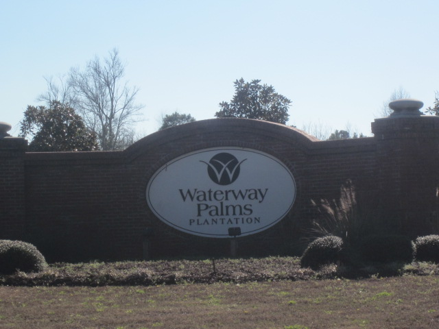 Waterway Palms - entrance