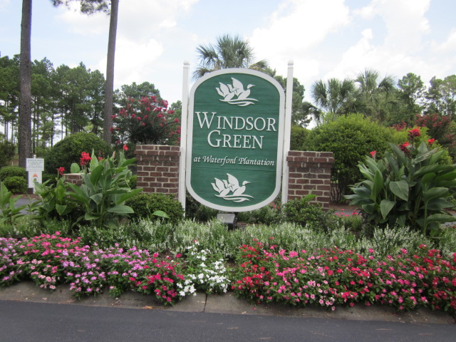 Windsor Green Entrance
